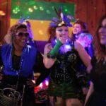 Best Gay & Lesbian Bars In Seattle (LGBT Nightlife Guide)